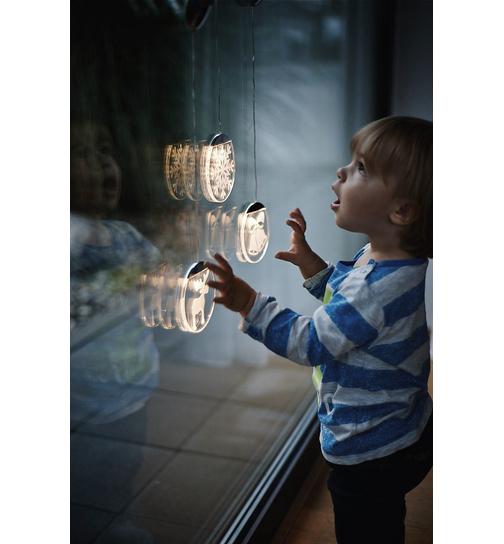 Fensterschmuck lumix deco light schneekristall von krinner for Lumix superlight